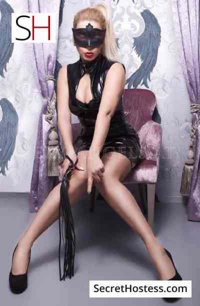 35 year old Austrian Escort in Vienna Lady Viktoria, Agency