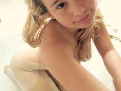 24 year old French Escort in Aix-en-Provence Belle coquine française